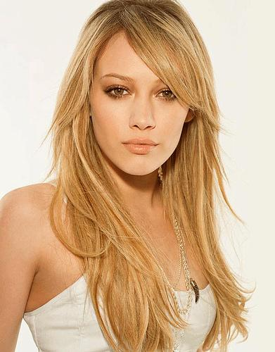 Hilary Duff cute look